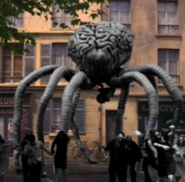L'attaque du monstre géant suceur de cerveaux de l'espace